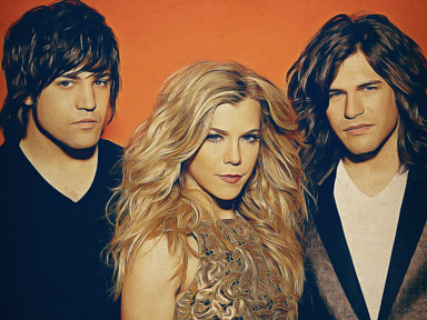 The Band Perry performed live August 15th at the Tulalip Amphitheatre as part of the 2015 Summer Concerts series