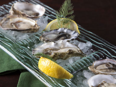 Enjoy some delicious oysters at Blackfish Wild Salmon Grill and Bar inside the fabulous Tulalip Resort Casino near Marysville on I-5!